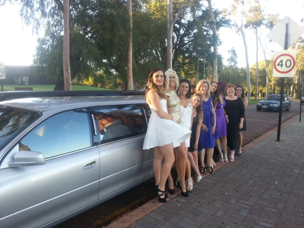 Wedding Limo Hire Perth assisting with a fun day out for these lovely ladies. Try Perth Limo Hire for your next limo outing