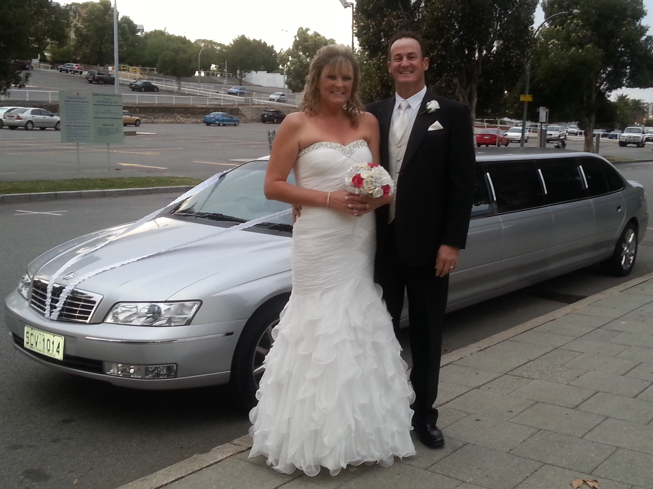Great weather for a wedding day and Wedding Limousines Perth is proud to have been a small part of the celebrations