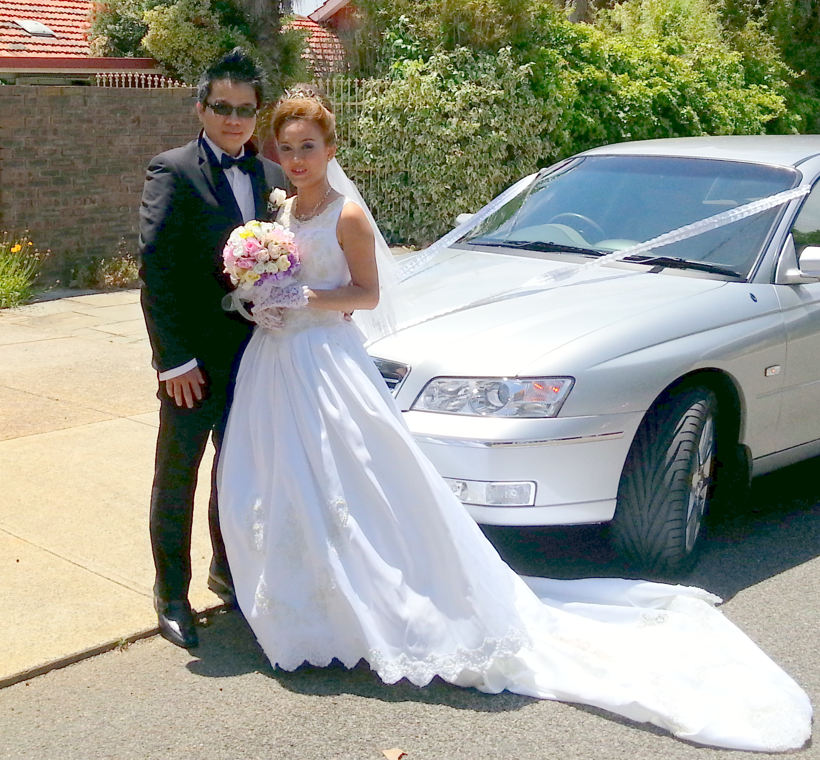 Perth Limousine Hire helping another lovely couple celebrate their special day. Limousines Unlimited also offers wedding limo hire, school ball limo hire and winery limo tours