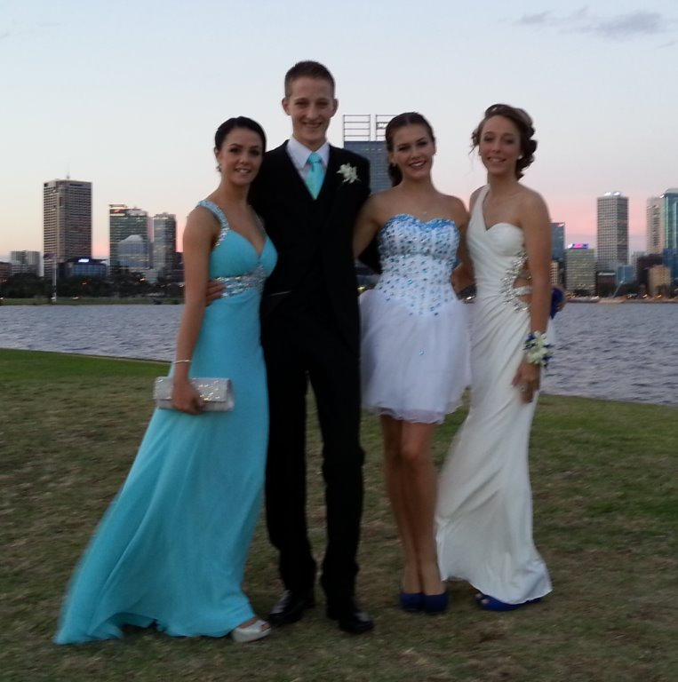 Perth Limo Hire helped this glamourous group celebrate their school formal in style. We also cater for weddings, concert transfers and winery limo tours.