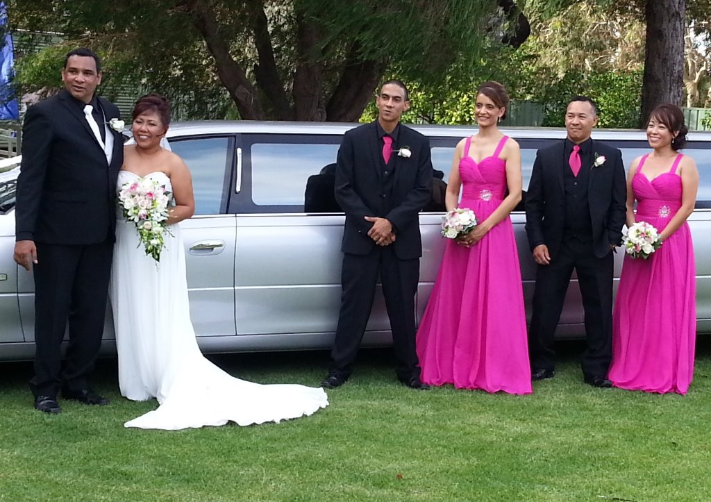 Wedding limousines hire Perth helped Carolyn and Stuart celebrate their wedding at Willow Ponds recently